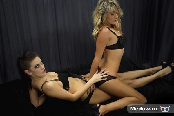 Сексуальная девушка в позе для секса №31 - женщина сверху