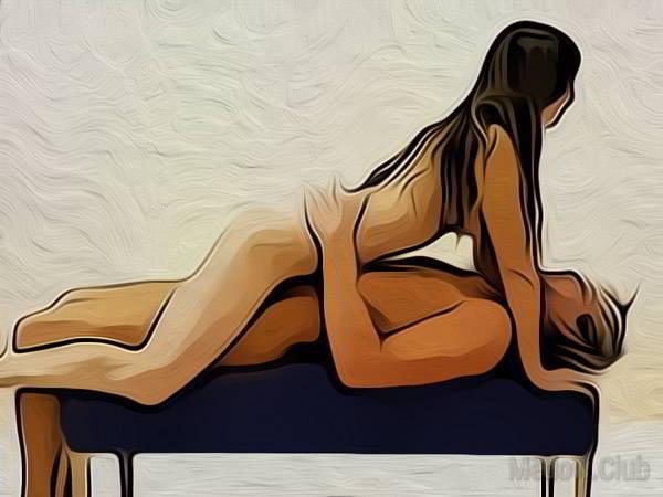 Сексуальная позиции камасутры №21 - Мужчина лежит на пуфике, а девушка лежит на нем верхом, огибая ногами его ноги. Фото