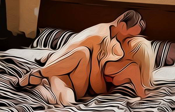 Миссионерская поза - вариант 16: девушка приподнимаеться для поцелуя